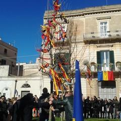 Piantumazione dell'olmo in piazza Mercadante
