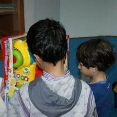 Teatro per il Sociale porta doni ai bambini di pediatria