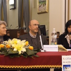 """Presentazione del libro """"Ho scritto d'amore"""" di Fausta Losquadro"""