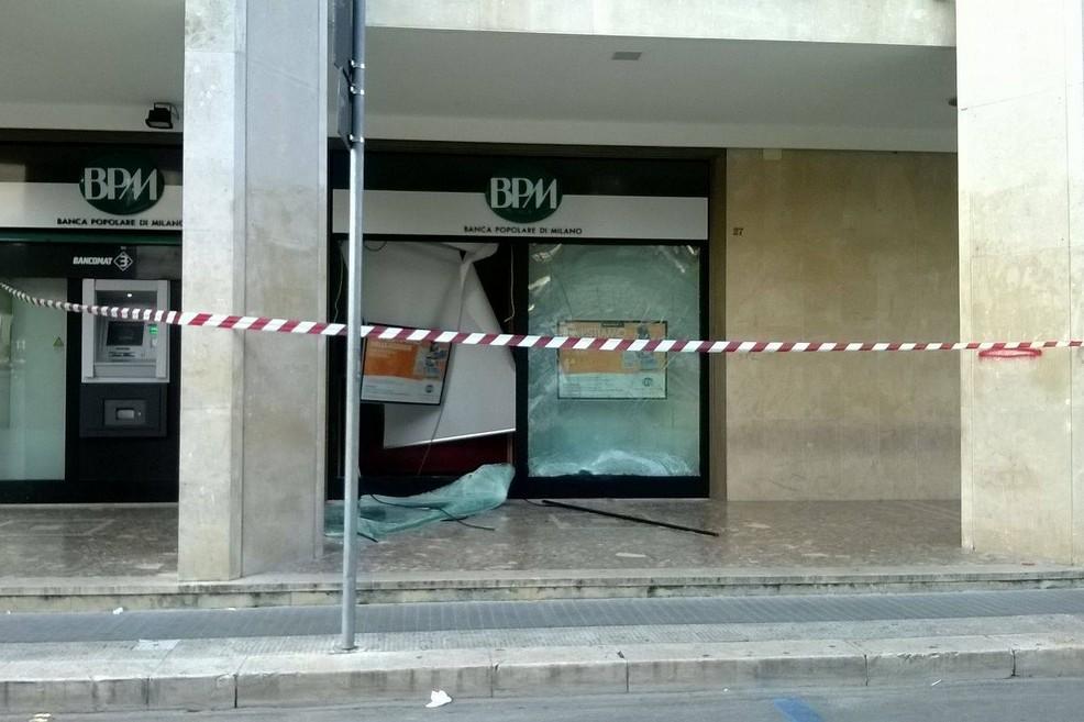 Assalto al bancomat piazza Zanardelli