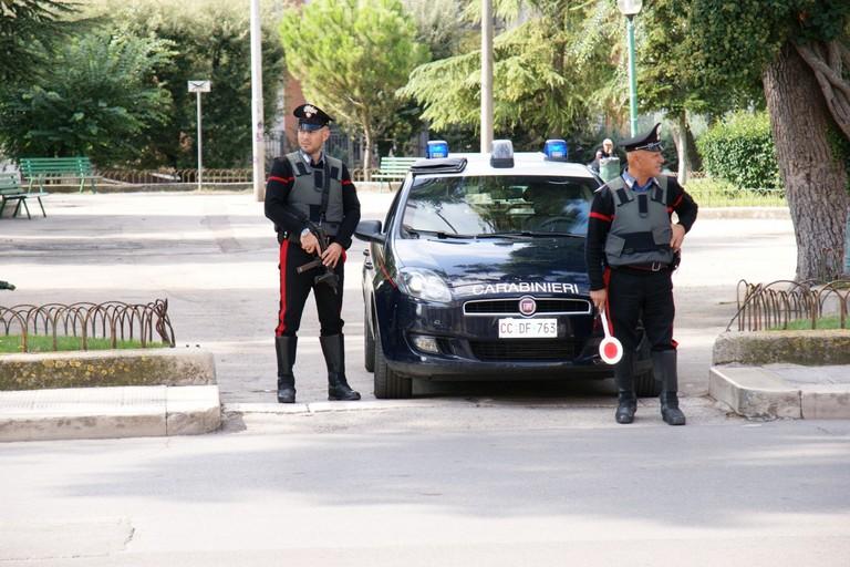 pattuglia carabinieri villa comunale