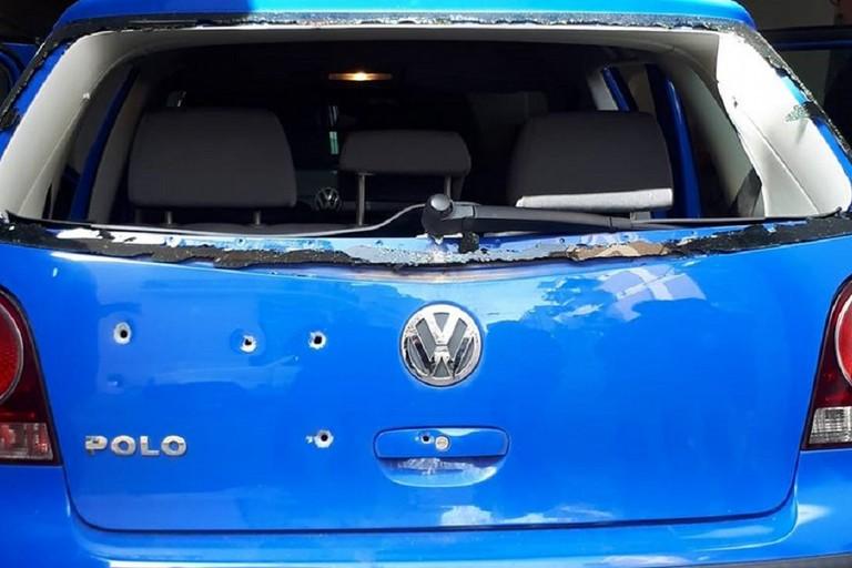 colpi di pistola sull'auto del consigliere