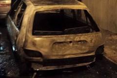 Due auto in fiamme in poche ore