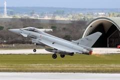 Due caccia partiti da Gioia del Colle intercettano un velivolo