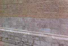 Ancora scarabocchi sui muri della Cattedrale di Altamura