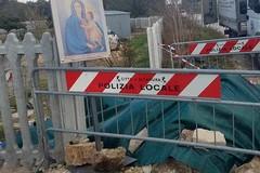 Madonnina in via Bari, posizionata un'icona provvisoria