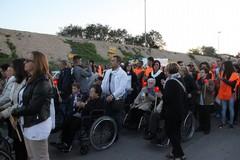 Processione con gli ammalati: fiaccole accese dalla speranza