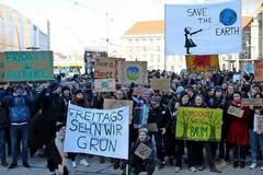 Altamura, gli studenti marciano per il futuro