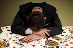 Gioco d'azzardo, i grillini insistono