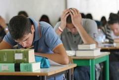 La notte prima degli esami di tanti studenti, iniziano le prove di maturità
