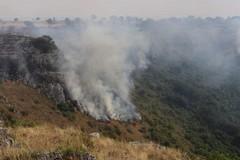 Incendi al Pulo e a Lamalunga, si contano i danni