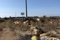 Periferie e rifiuti, l'allarme da contrada Sgarrone
