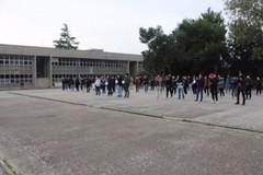 Itt Nervi Galilei, docenti e studenti protestano