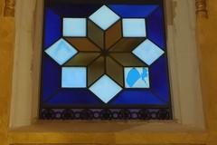 Una pallonata e un'altra vetrata della Cattedrale si rompe