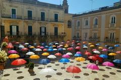 Festival dei Claustri 2019, è piaciuta l'iniziativa degli ombrelli colorati