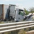 Incidente sulla statale 96, coinvolto anche autotrasportatore altamurano