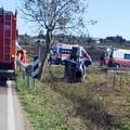 Auto fuori strada sulla Tarantina, ferito conducente