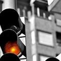 Il semaforo in via Bari non funziona da tempo