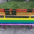 Villa comunale, imbrattata la panchina arcobaleno dedicata alle unioni civili