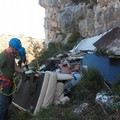 La zona del Pulo ripulita da quintali di rifiuti grazie ai volontari