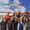 """Pollici in su per la performance del coro della  """"San Francesco d'Assisi """" all'evento  """"Tutti a scuola 2017 """""""