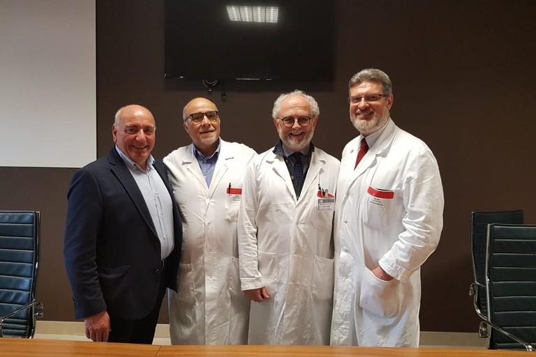 equipe medica endoscopia perinei