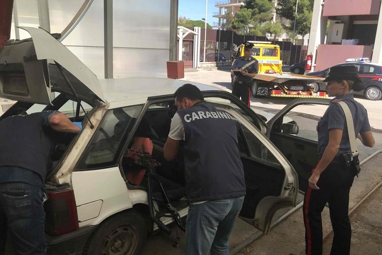 Carabinieri sventano furto di auto