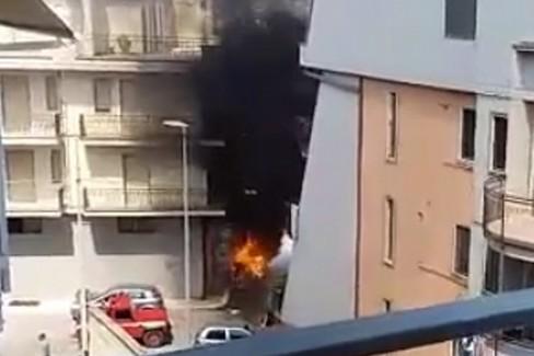 Incendio di auto