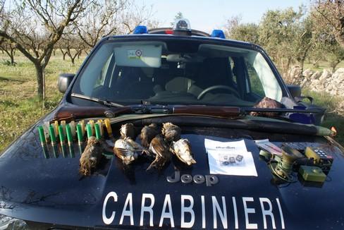 Caccia vietata, sequestro di armi e munizion