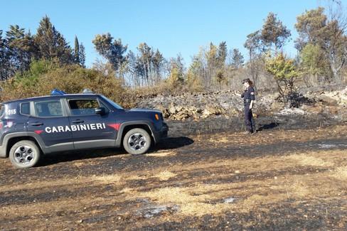 Carabinieri indagano su incendio