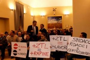 Z.T.L., intervista ai commercianti del Centro Storico e al sindaco Mario Stacca