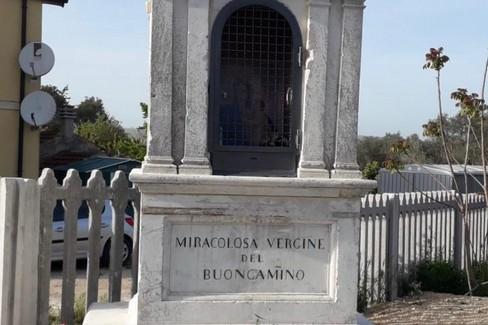 Edicola sacra della Madonna del Buoncammino in via Bari