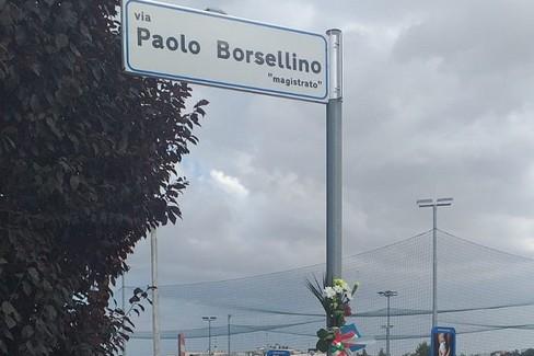 Fiori in via Borsellino