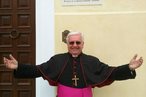 Natale, il video di auguri del vescovo Ricchiuti