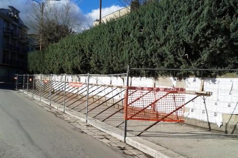 Muri pericolanti alla Villa Comunale - Foto di Onofrio Bruno