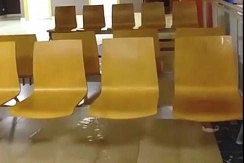 Infiltrazione d'acqua nell'ospedale della Murgia