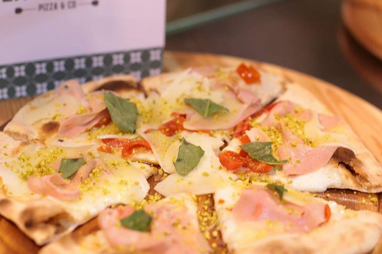 Pizza con Pallone di Gravina