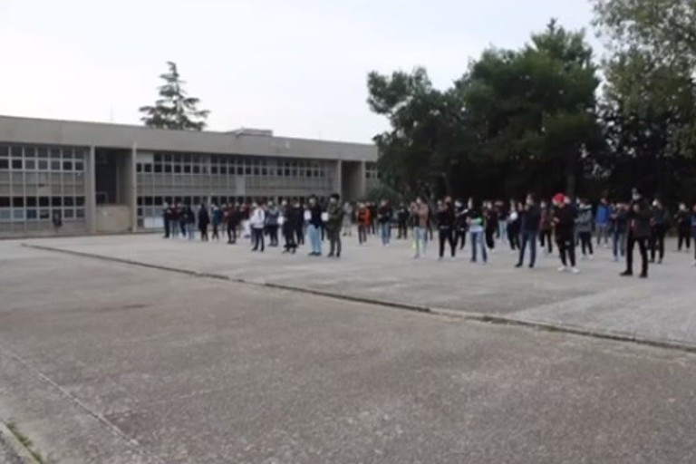 Studenti dell'ITT Nervi Galilei