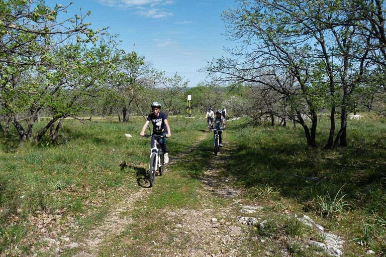 attività di trekking nel Parco dell'Alta Murgia